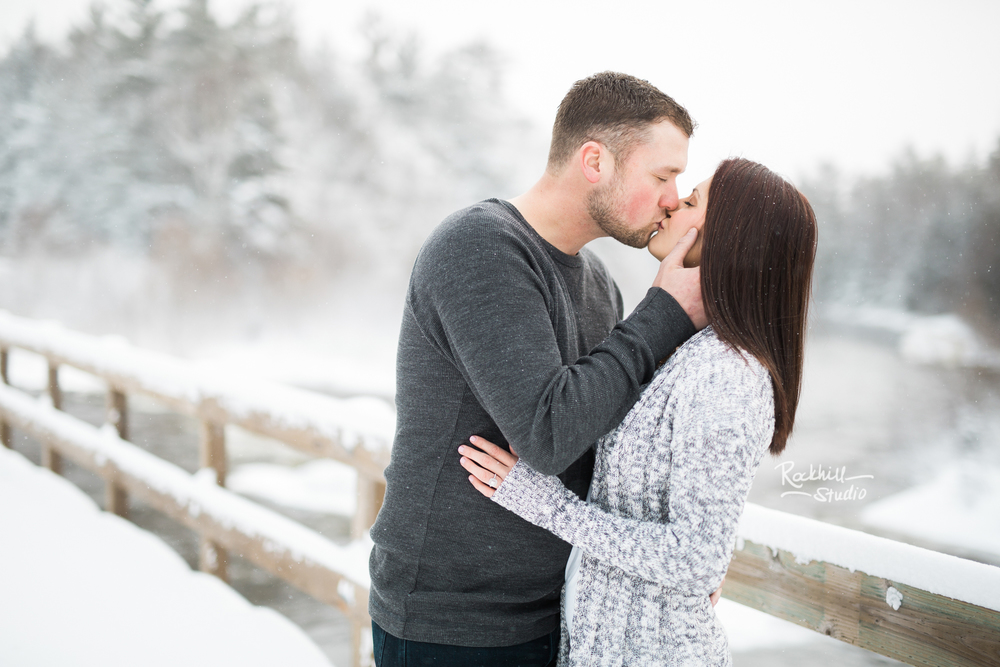 northern-michigan-engagement-photogrpher-wedding-manistique-winter-bridge-7.jpg