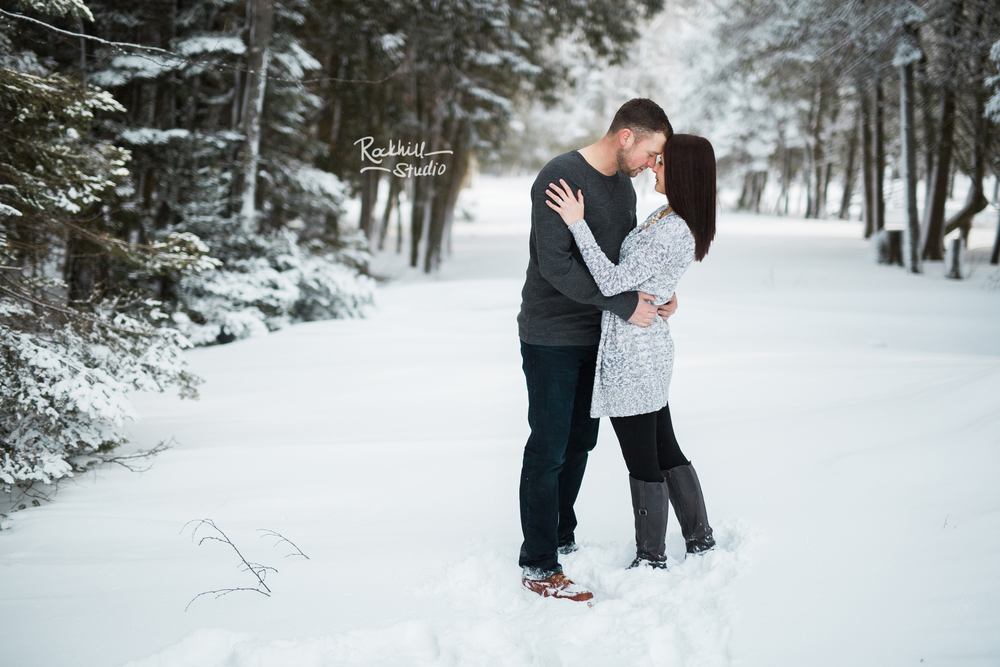 northern-michigan-engagement-photogrpher-wedding-manistique-winter-indian-springs-16.jpg