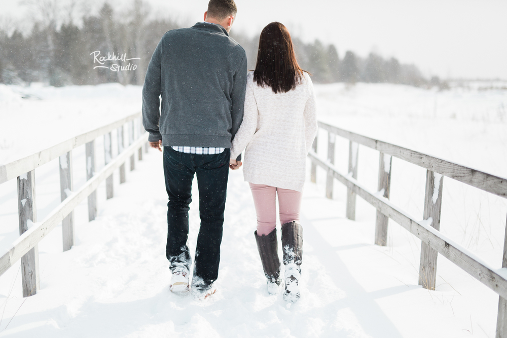 northern-michigan-engagement-photogrpher-wedding-manistique-winter-lake-michigan-22.jpg