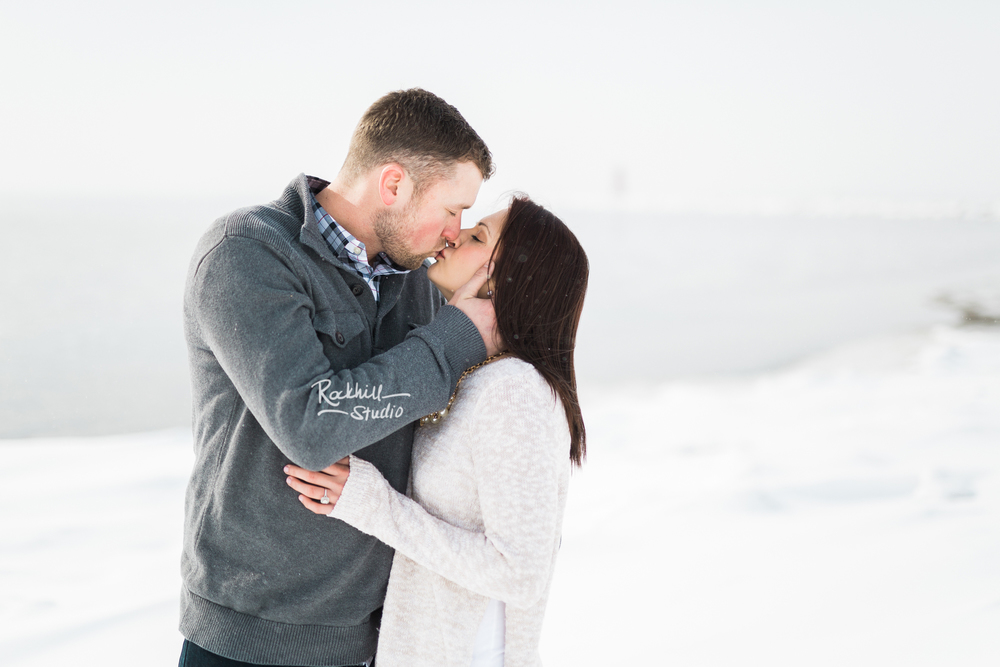 northern-michigan-engagement-photogrpher-wedding-manistique-winter-lake-michigan-24.jpg