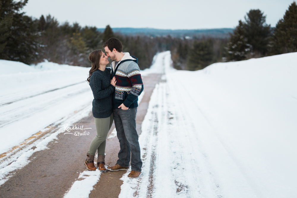 northern-michigan-upper-peninsula-engagement-photography-wedding-rockhill-studio-traverse-city-20.jpg