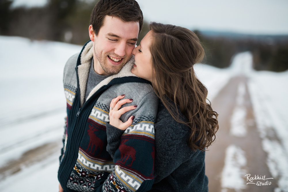 northern-michigan-upper-peninsula-engagement-photography-wedding-rockhill-studio-traverse-city-26.jpg