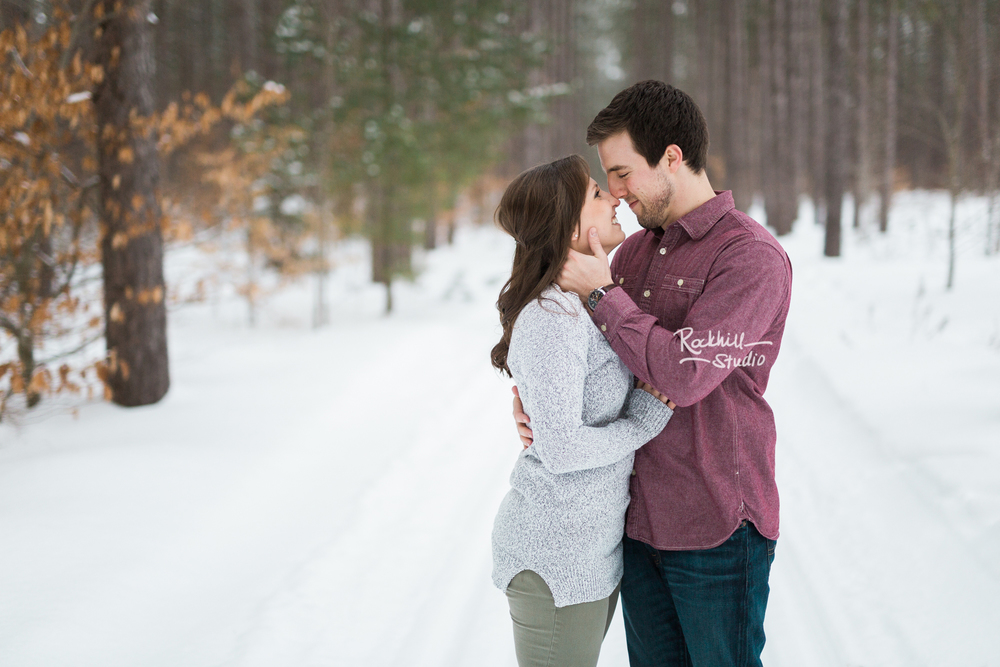 rockhill-studio-northern-michigan-engagement-photography-upper-peninsula-marquette-wedding-winter-25.jpg