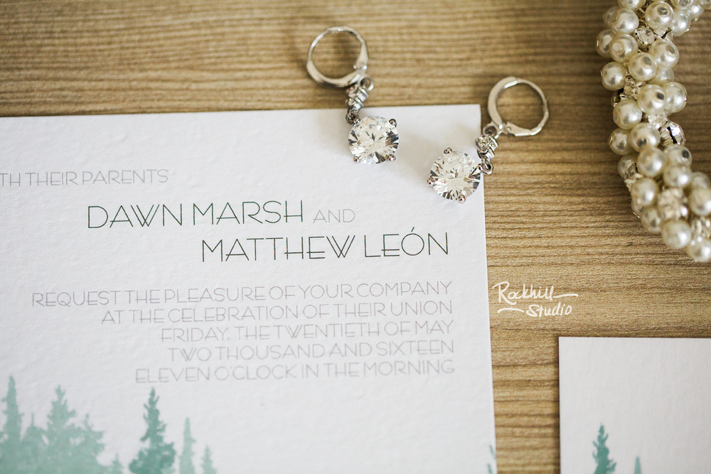 marquette-wedding-photography-invitation-stationary-rockhill-upper-peninsula-1.jpg