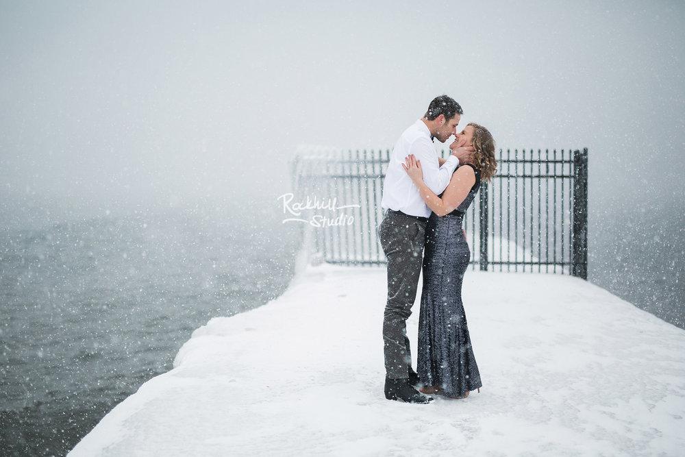 northern-michigan-wedding-photgographer-marquette-engagement-winter-1.jpg
