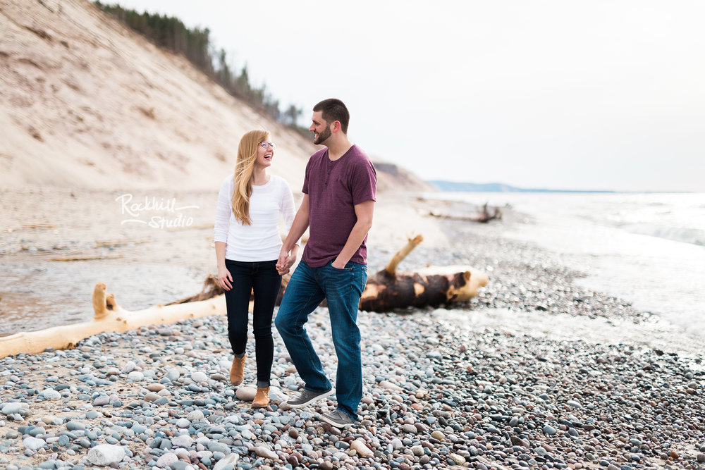 upper-peninsula-wedding-photographer-grand-marais-engagement-nr-1.jpg