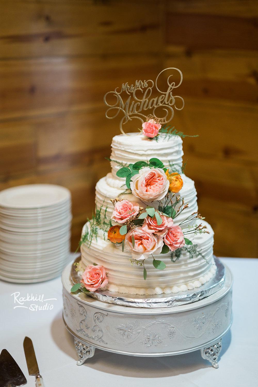 Drummond Island Wedding, wedding cake, Traverse City Wedding Photographer Rockhill Studio
