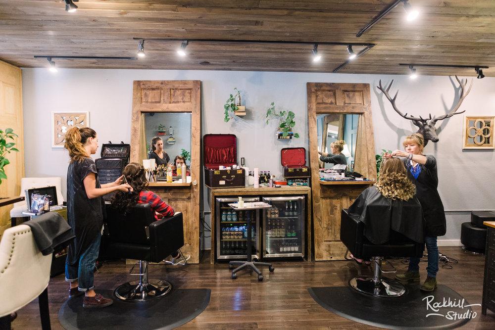 Destination wedding photographer Rockhill Studio, getting ready salon, Traverse City to Breckenridge, Colorado