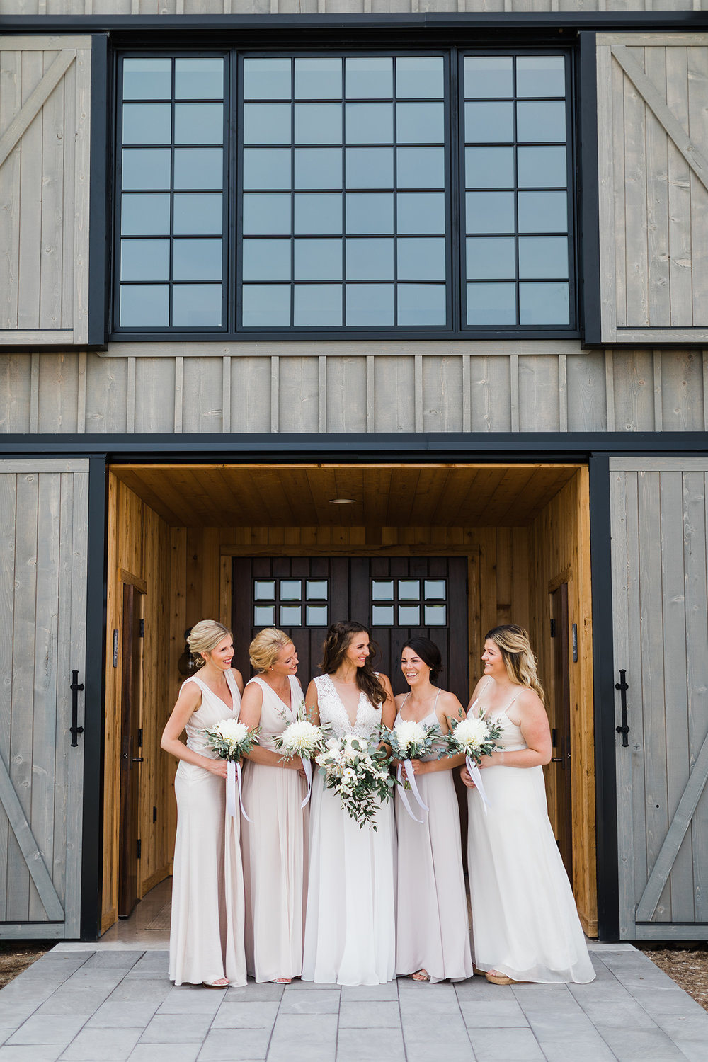 Traverse_city_wedding_Photographer_verterra_vineyard_leland_1.jpg