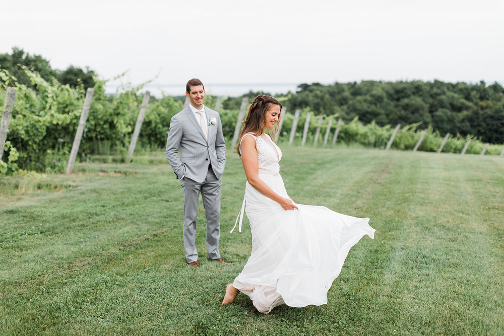 Traverse_city_wedding_Photographer_verterra_vineyard_leland_2.jpg