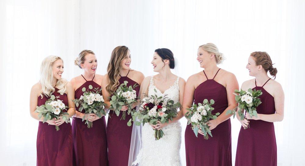 bridal-party-louisville-wedding-photographer-the-belles-photo-belles-bridal-room.jpg