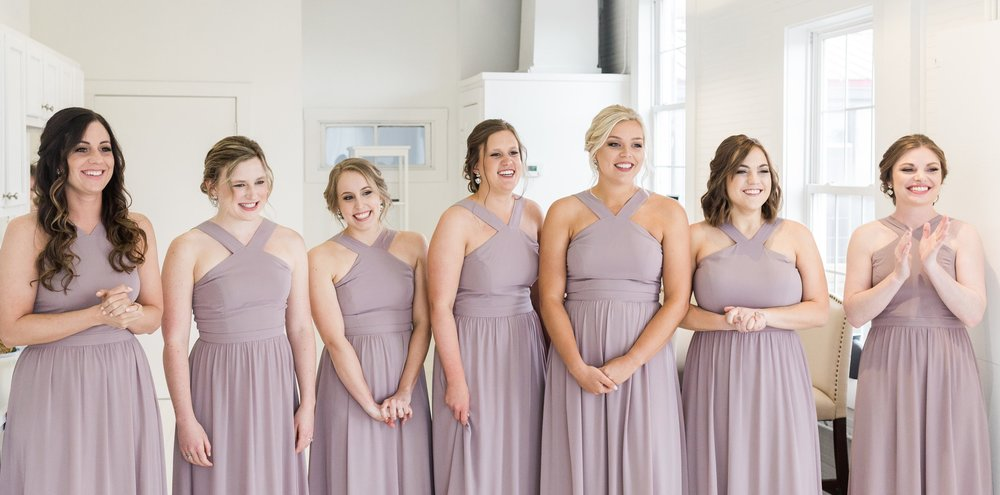 bridesmaids-first-look-louisville-wedding-photographer-the-belles-photo-belles-bridal-room.jpg