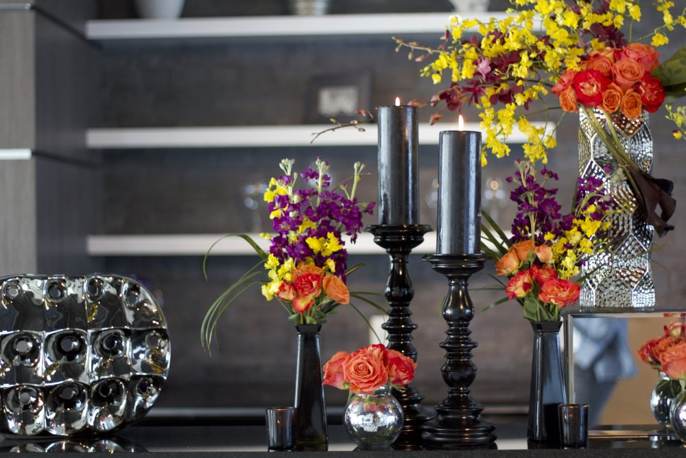 Give a modern look to your company events with colorful flowers.