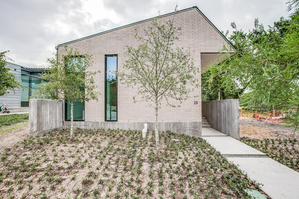 28 Vanguard Residence