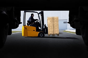 3G Logistics Christchuch | Freight Management | Man driving warehouse forklift
