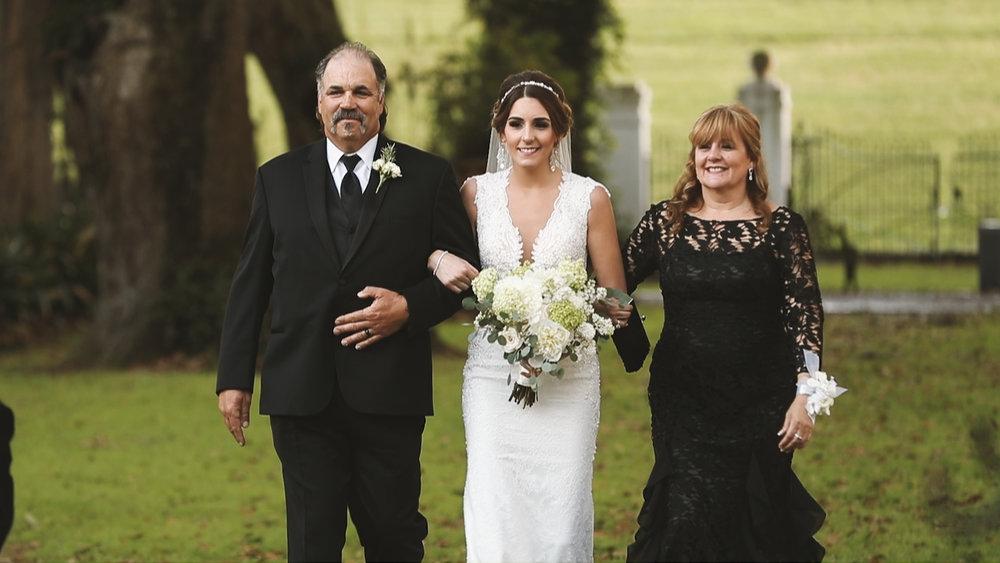 Destination Wedding Videography_Bride Film_Houmas House Plantation_bride ceremony