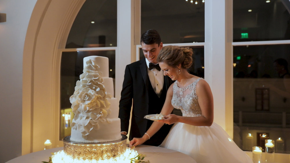 New Orleans Wedding Videography_Marianne and Clark_Wedding Cake