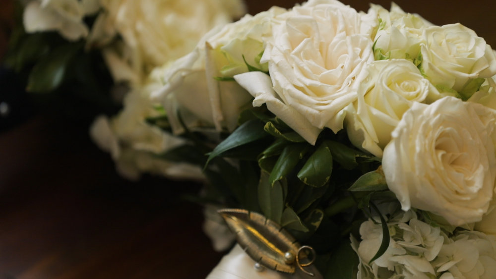 New Orleans Wedding video_Fallon and Devon_Bridal bouquet