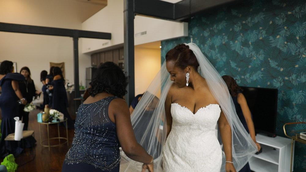 New Orleans Wedding video_Fallon and Devon_Bridal prep