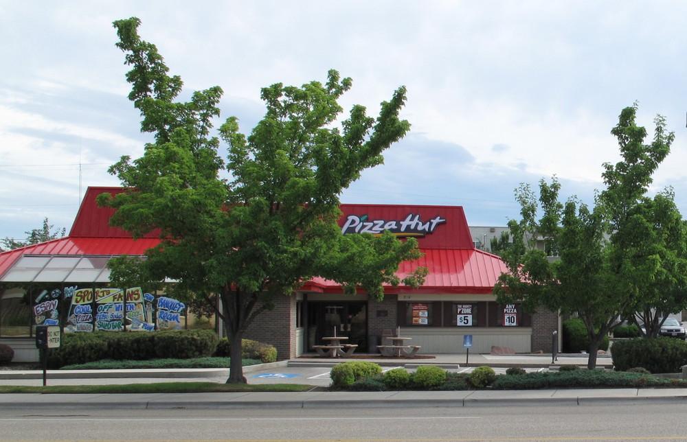 Pizza Hut 818 W. Ann Morrison Park Dr.
