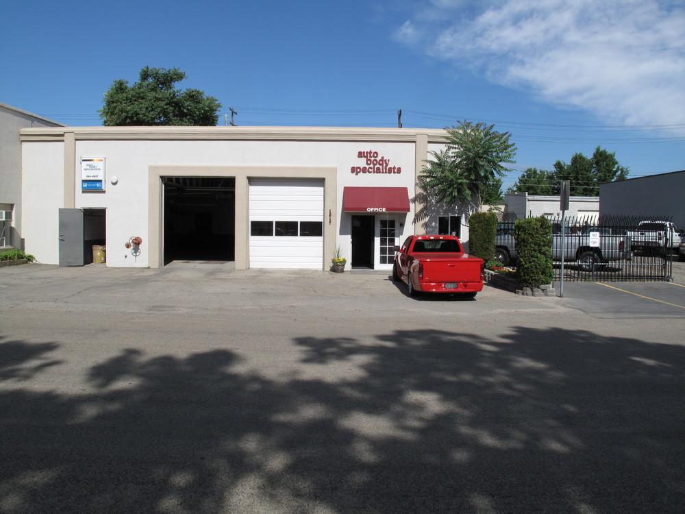 Auto Body Specialists 1017 S. Lusk St.
