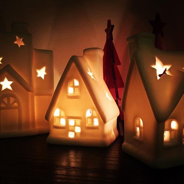 Day 23 Honey Christmas Countdown  #santasgrotto