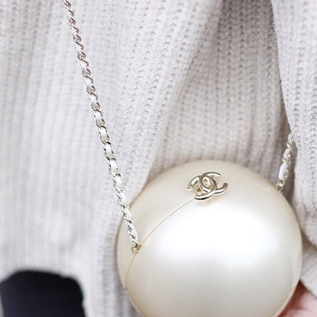 Pearl bag, just the perfect accessory