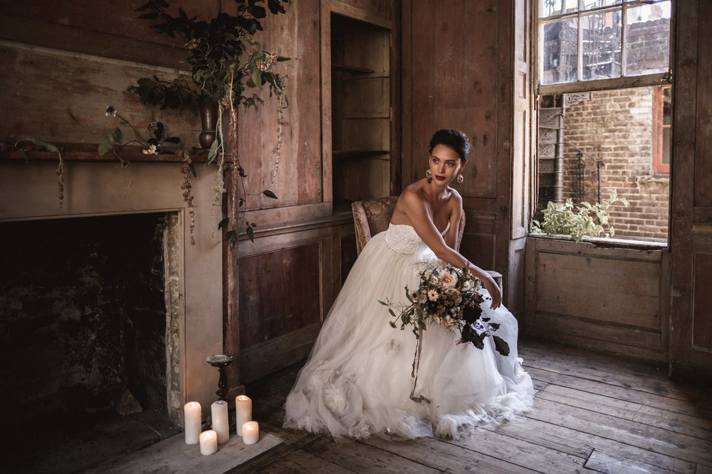 Stunning bridal inspiration shoot by Beatnik Bride and Benjamin Wheeler | Dress by Halfpenny London