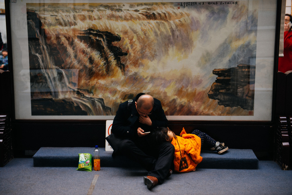I wasn't the only one tired by then. This little girl was taking a nap in the paintings room.
