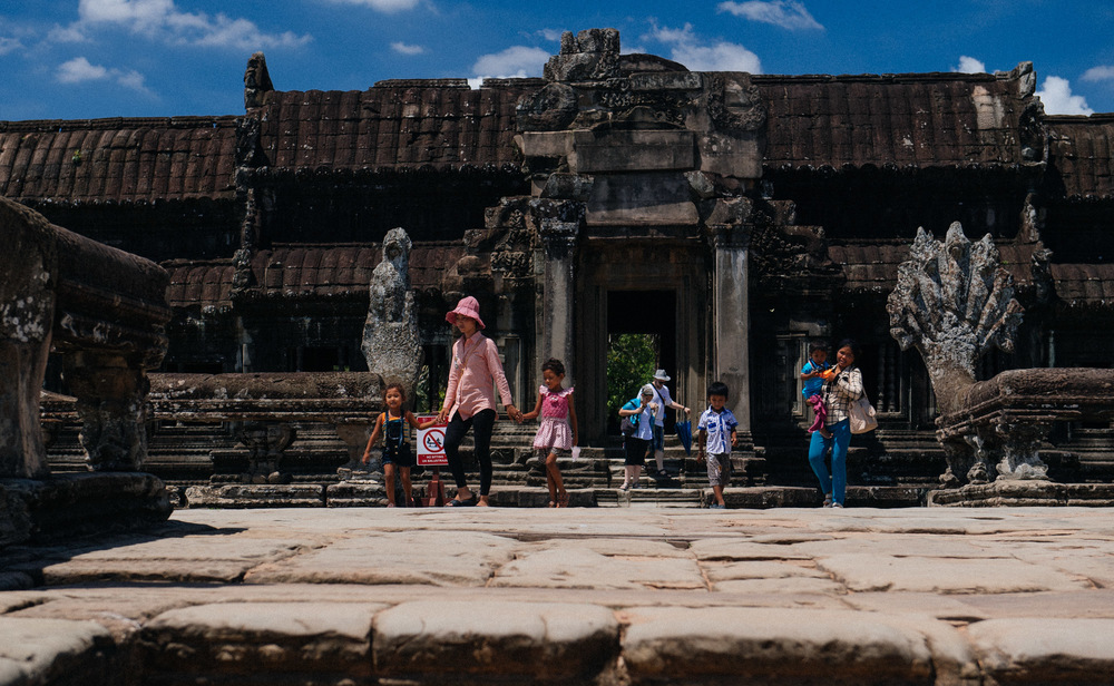 Millions of tourists per year, specially during dry season, becomes unsustainable and causes damage to the ruins, which are stepped on and touched indiscriminately. This picture was taken  at the entrance of the Wat, to the west of the Cruciform Terrace off the limits of the above map.