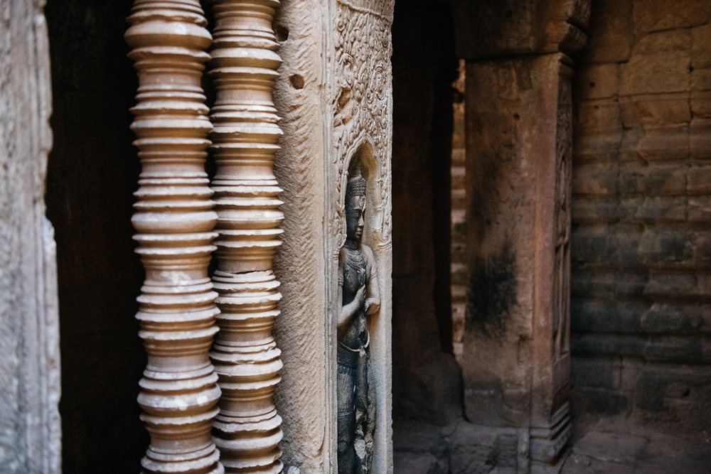 In a tight corridor you can find impressive stone sculptures of Apsaras and Buddhas.