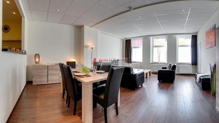 livorno-apt2b-livingroom.jpg