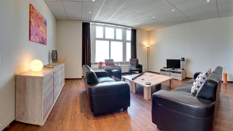 livorno-apt3a-livingroom.jpg