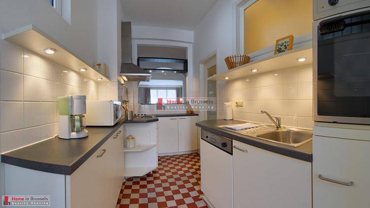 parcroyal-apt2d-kitchen-hd.jpg