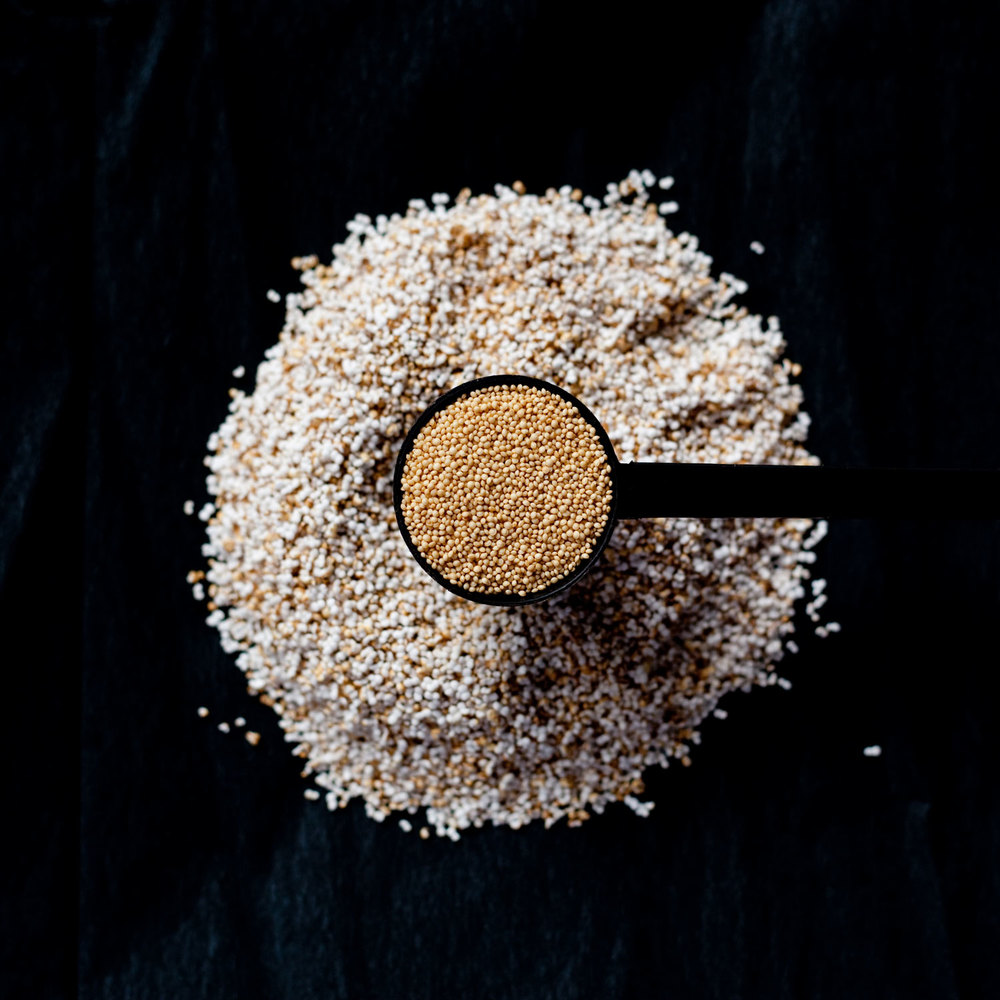 Popped and Unpopped Amaranth Seeds