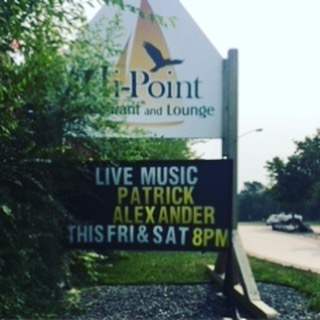 Wonderful show outside at the Hi-Point restaurant patio last night! So much fun that we'll do it all over again tonight! @jefflaird.drums @hipointrestaurant #westhawklake