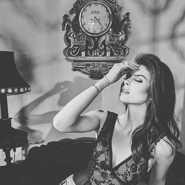 🖤 Mila for #1893boutique  model: @liudmila_bernote makeup: @missmaggiepops hair: @claraleopard art direction :@gabrieltrivelas styling: @macyloncar #beauty #photography #makeup @broncolorusa #bronpara88 @mola_softlights #molademi @qmodels #lingerie #lookbook #blackandwhiteisworththefight #blackandwhite