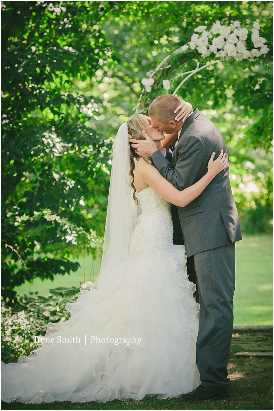 Cambridge Springs-Pennsylvania-Engagement-Wedding-Photography_0027