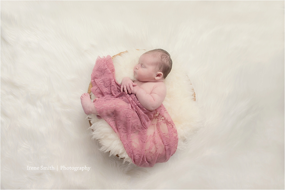 Newborn-Photographer-Seven-Fields-Pennsylvania_0015.jpg