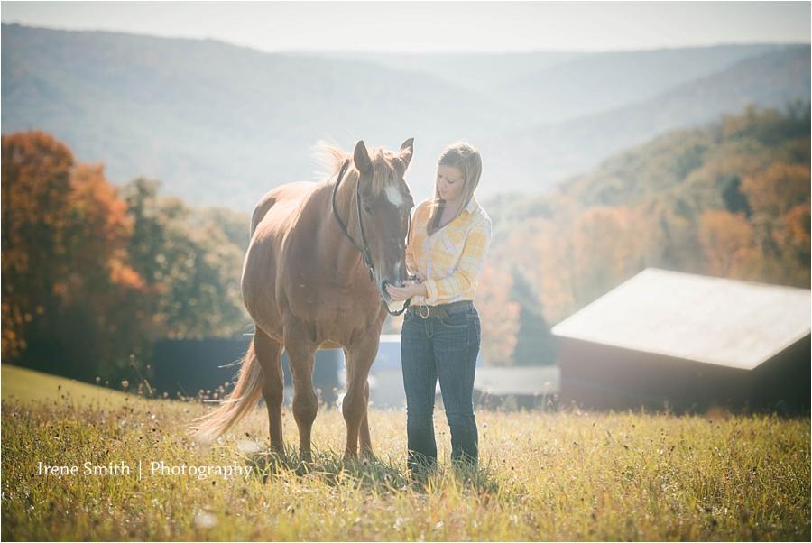 Irene-Smith-Photography-Flying-W-Ranch-Tionesta-Senior_0034.jpg