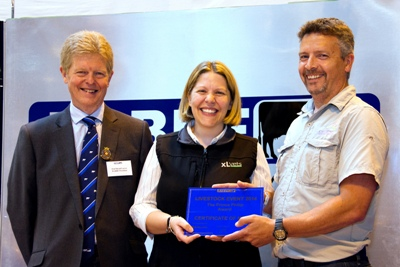 RABDF president, Prof David Leaver presents the award to XL Vet's Joanne Sharp and Stuart Gough, Calweton Veterinary Group