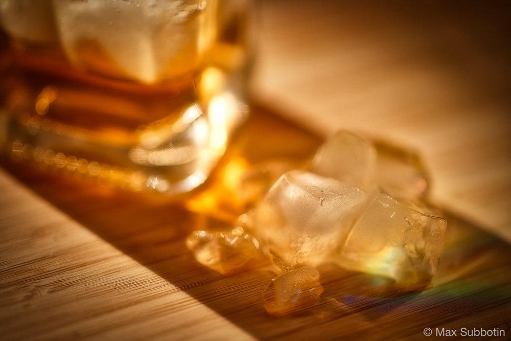 Виски и лёд. Фудфотография