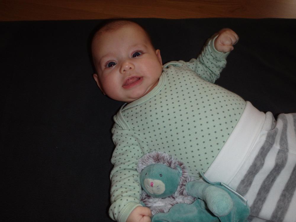 Sarina mit 3 Monaten