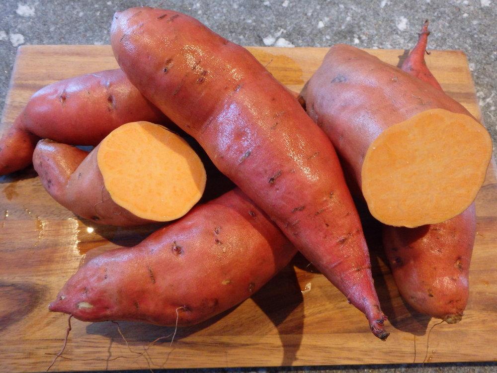 Hauptsorte Orleans - rote Schale, oranges Fleisch