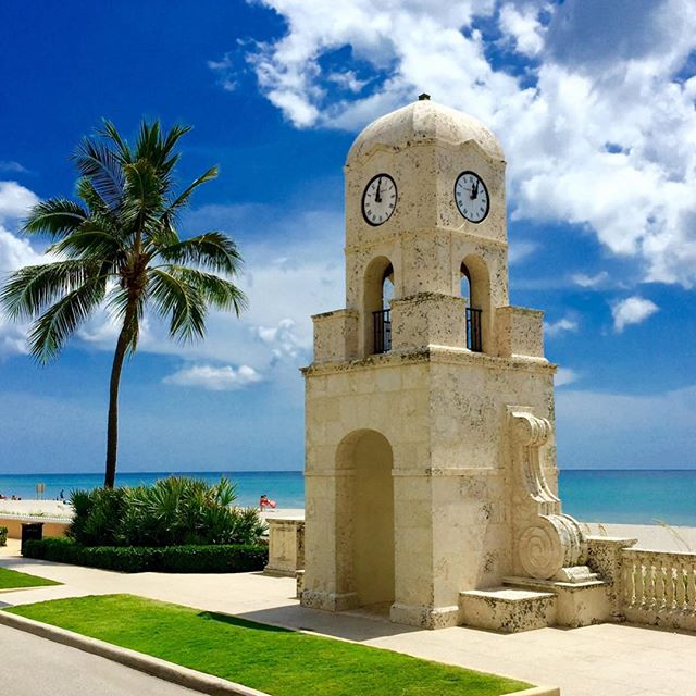 "Loving the extra sunshine! 😎 ""Spring Forward"" means longer beach days 🌅 #householdmanagement #palmbeach #nantucket #realestate #concierge"