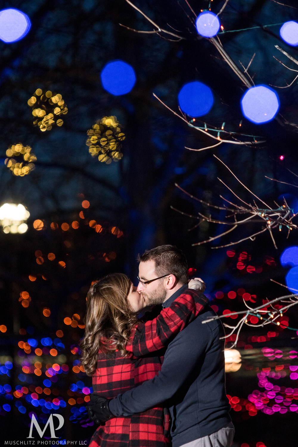 bicentennial-park-engagement-session-holiday-portraits-columbus-ohio-047.JPG