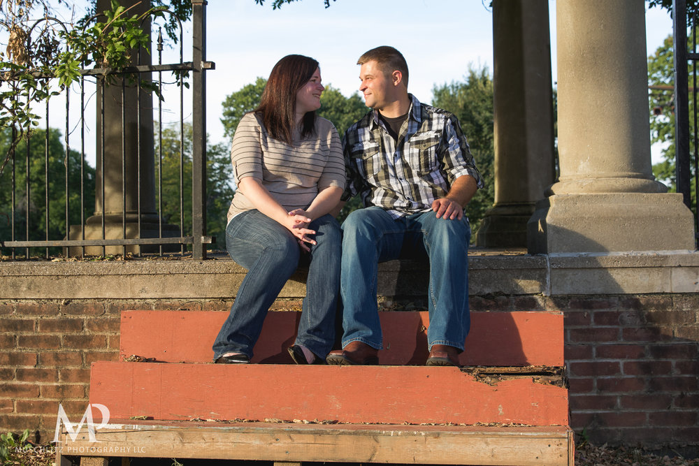 schiller-park-german-village-columbus-ohio-engagement-portrait-session-muschlitz-photography-005.JPG
