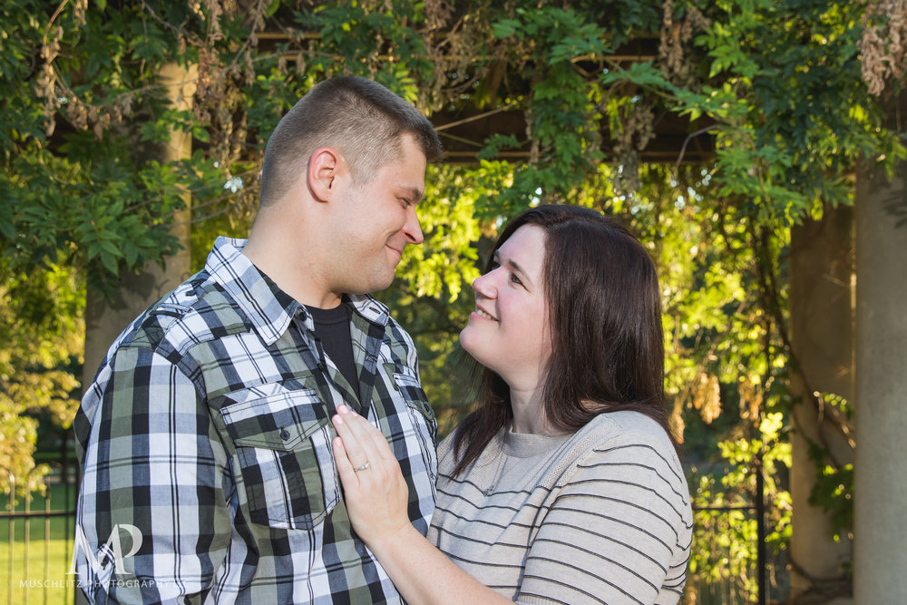 schiller-park-german-village-columbus-ohio-engagement-portrait-session-muschlitz-photography-007.JPG