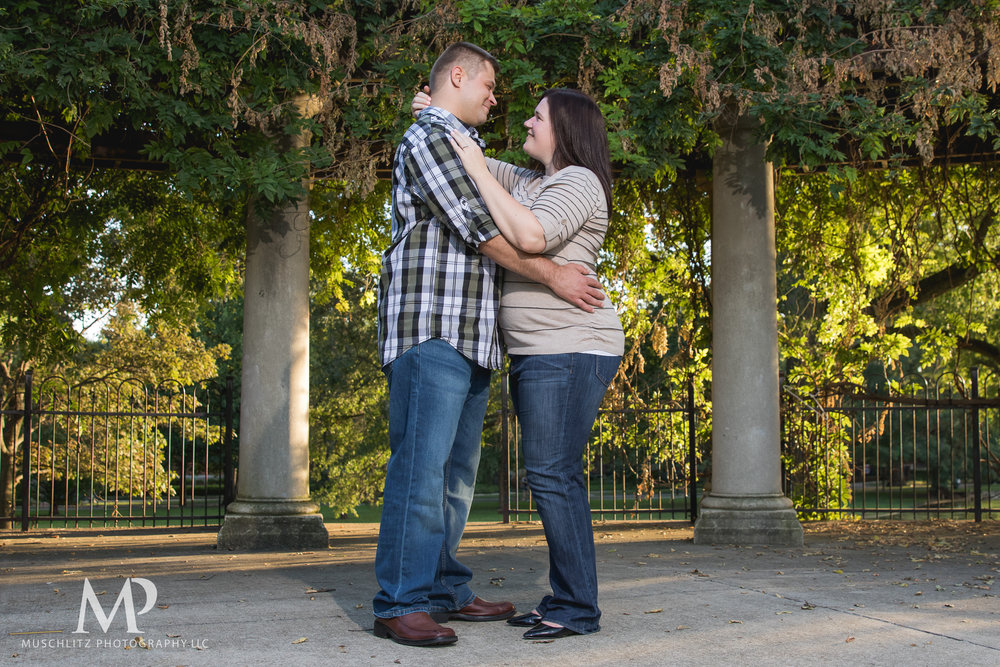 schiller-park-german-village-columbus-ohio-engagement-portrait-session-muschlitz-photography-006.JPG