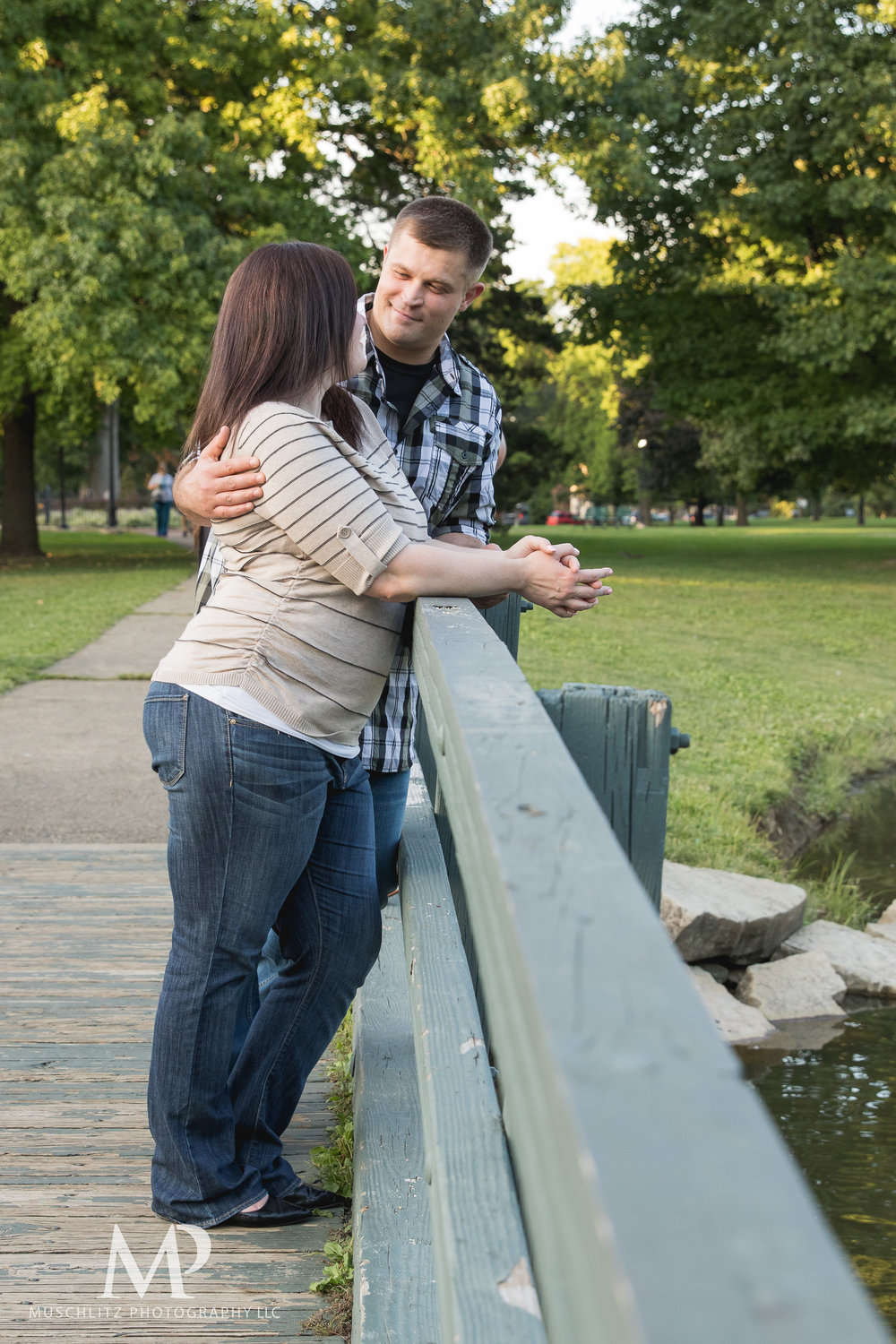 schiller-park-german-village-columbus-ohio-engagement-portrait-session-muschlitz-photography-009.JPG